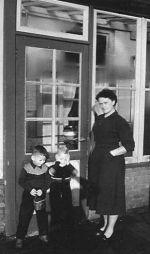 Marie en de kinderen René en Kees